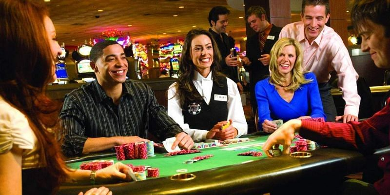 Playing Poker Tournaments Online and Have Fun